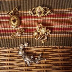 Jewelry, 5 pins